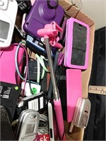 Flat of Cell Phones Speakers & Accessories