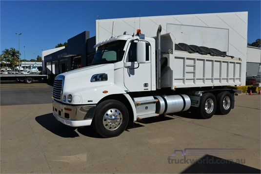 2011 Freightliner Century Class S/T - Trucks for Sale