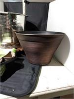 Flower Pots & Plant Caddy