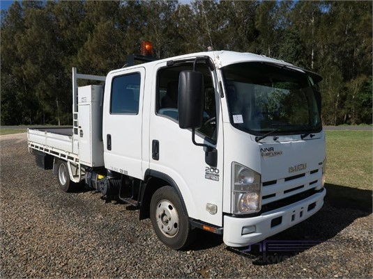 2010 Isuzu NNR 200 Crew Cab - Trucks for Sale
