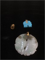 Lot of pendants - carved Jadeite, dyed Howlite