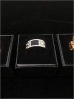 Lot of costume rings in boxes