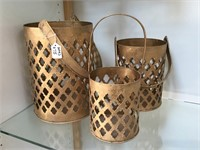 Set of 3 matching metal decorative baskets,