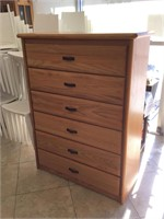 Dresser w/6 drawers, approx 42x17x57 inches