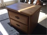 Pair of matching nightstands w/drawers, approx