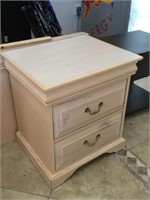 Set incl. pair of Nightstands w/drawers and