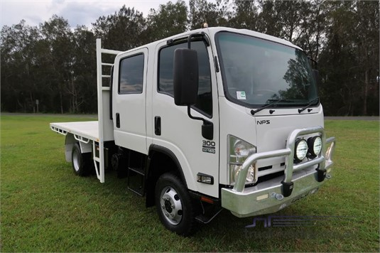 2015 Isuzu NPS 65 155 4x4 CREW - Trucks for Sale