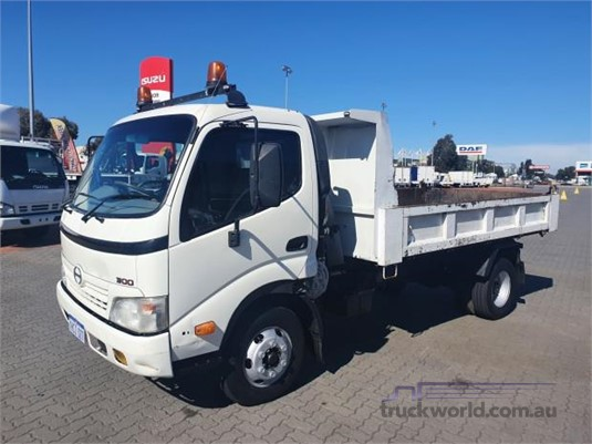 2008 Hino 300 Series 816 - Trucks for Sale