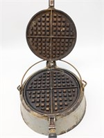 """Super Maid Cookware Waffle Iron 7"""" (not cast"""