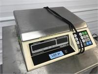 Toledo 8421 Digital Scale