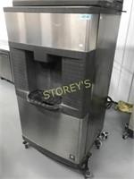 Manitowac QPA310 Hote Self Serve Ice Dispenser