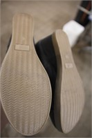 used 1 pr ardenel mat side zipper lds boots(10)
