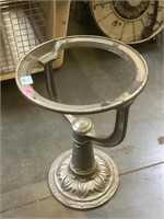 Cast iron  Stand, approx 13x19 inches