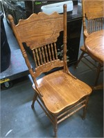 Wooden oval dining table w/Leafs and 6 chairs,