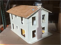 Wooden doll house, approx 30x20x20 inches
