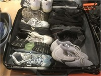 Luggage case w/shoes assorted size mostly good