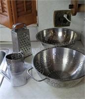 Kitchen Ware Lot