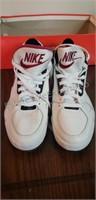 Vintage Nike Shoes US Size  7.5