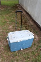 RUBBERMAID ICE CHEST WITH WHEELS