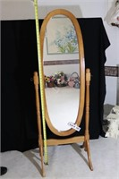 TRADITIONAL FULL LENGTH DRESSING MIRROR WITH STAND