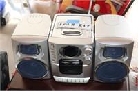 PORTABLE RADIO WITH DETACHABLE SPEAKERS