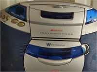 WESTINGHOUSE RADIO/CD/CASSETTE PLAYER - WORKS