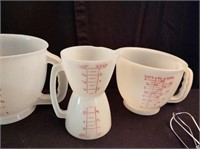 VINTAGE MEASURING CUPS AND BOWLS
