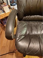 LEATHER OFFICE CHAIR - FAIR CONDITION