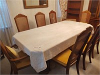 LARGE DINING ROOM TABLE AND 8 CHAIRS W/ TABLE CLOT