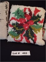 3 CHRISTMAS DECORATIVE PILLOWS