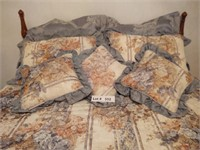 FULL/DBL BED BEDDING WITH ALL PILLOWS AND DRAPES A