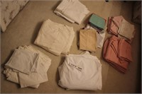 SHEET SETS KING AND PILLOW CASES
