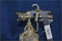 Binks 2001 Spray Gun and Pot