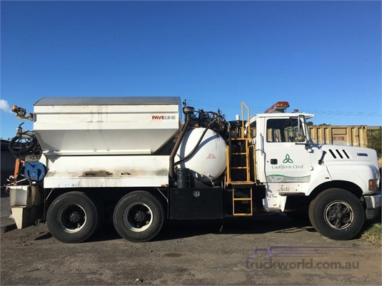 1997 Ford L8000 - Trucks for Sale