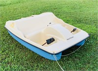 Water Wheeler Pedal Boat, 5 Person, looks nice