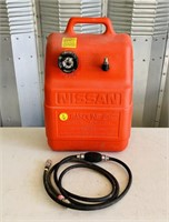 Nissan 6.6 Gallon Portable Gas Tank with hose