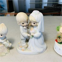 3 Figurines, one is a musical from 1978