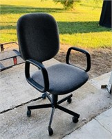 Gray Adjustable Office Chair w/Arms