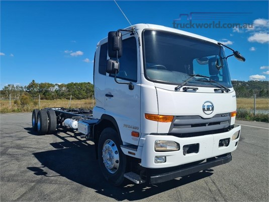 2017 UD PW24 280 - Trucks for Sale