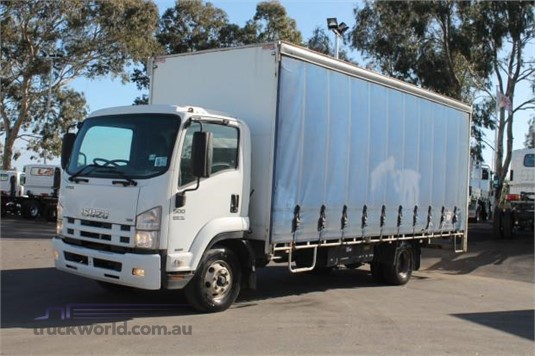2010 Isuzu FRR 500 - Trucks for Sale