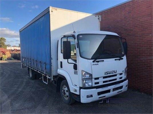 2011 Isuzu FRR 500 - Trucks for Sale