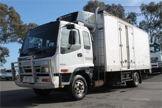 2004 Isuzu FRR 500 - Trucks for Sale