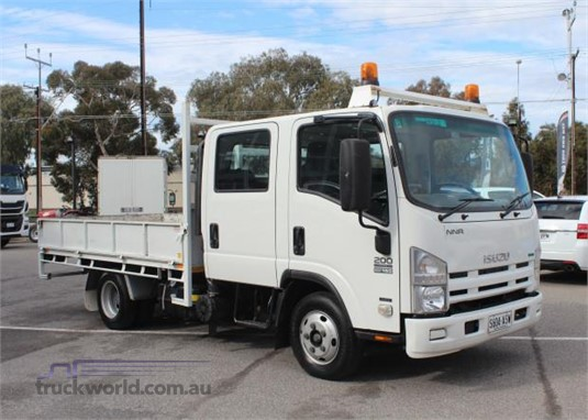 2011 Isuzu NNR 200 - Trucks for Sale