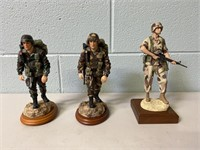 3 American Hero's Statues
