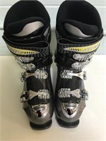 Women's Size 9 Ski Boots by Atomic