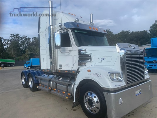 2013 Freightliner Coronado - Trucks for Sale