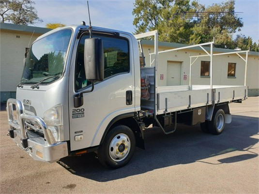 2012 Isuzu NPR 200 - Trucks for Sale