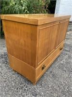 Vintage Billingham Mfg. Co. Cedar Chest W/ Drawer