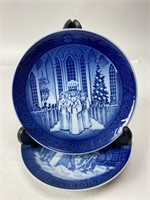 Pair of Danish Decorative Christmas Plates 7.25""