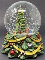 Vintage Toyo Christmas Snow Globe